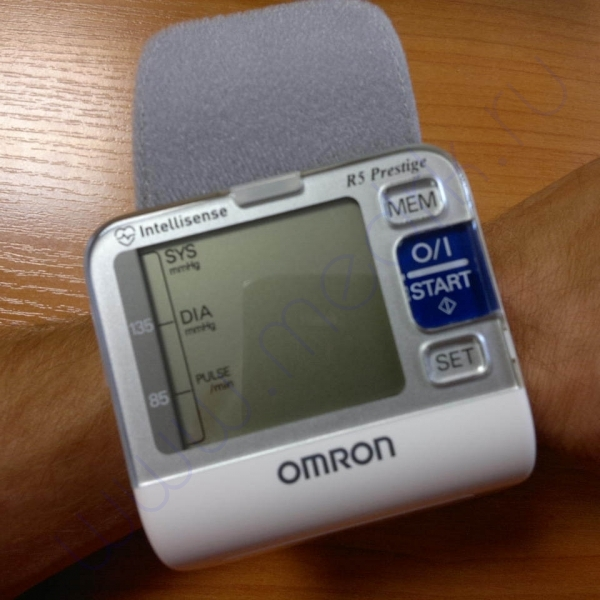 Тонометр автоматический Omron R5 Prestige  Вид 4