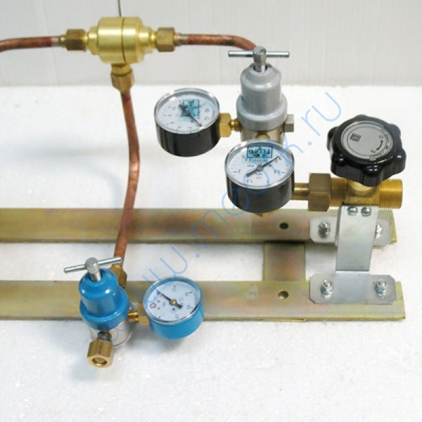 Щит автопереключения газовых рамп с сетевым редуктором (закись азота)  Вид 2