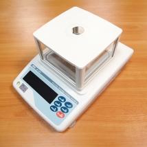 Весы лабораторные электронные AND GF-200